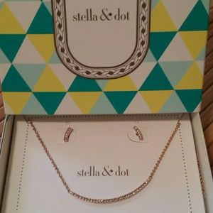 Stella & Dot Rose Gold Necklace/Earring Set